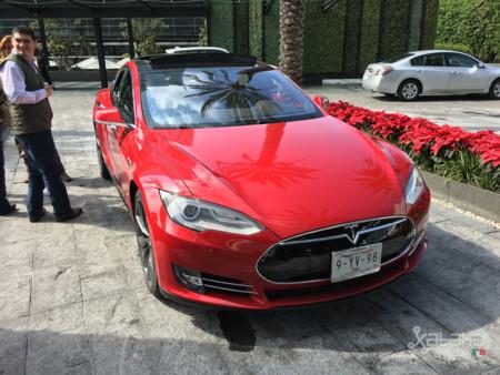 Tesla Model S Mexico 25
