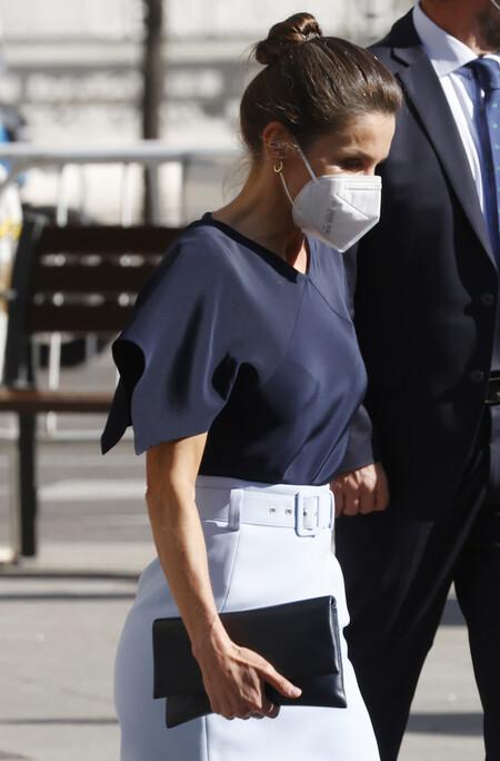 Doña Letizia luce una de sus faldas de primavera más estilosas