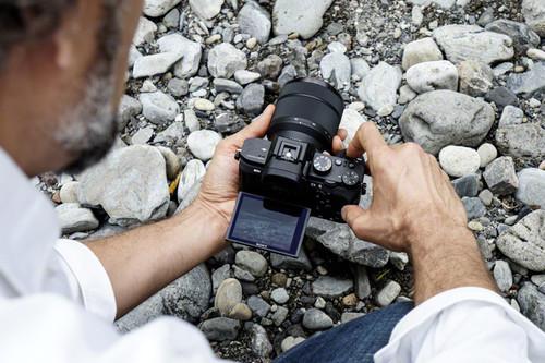 Sony A7 II, Canon EOS M50, Panasonic Lumix GX880 y más cámaras, objetivos y accesorios en oferta: Llega Cazando Gangas