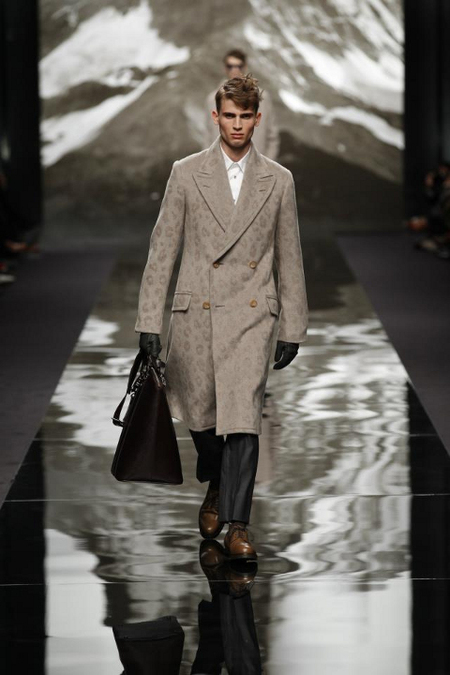 Abrigo largo Louis Vuitton AW 2014