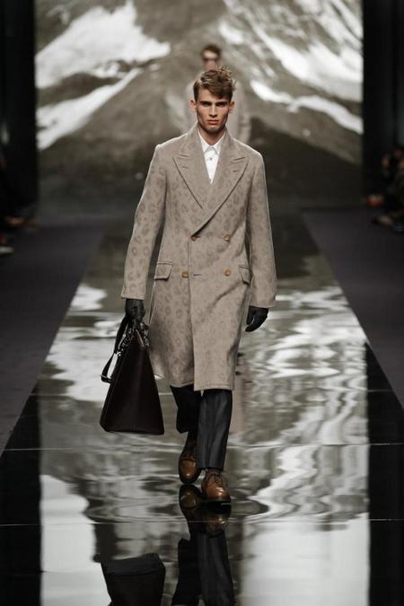 Abrigo largo Louis Vuitton AW 2014