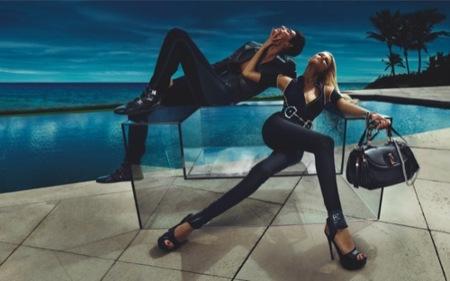 Gucci, campaña Primavera-Verano 2010 con Natasha Poly: no apta para el frío