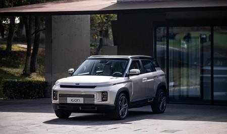 Geely lanza el Icon, un SUV híbrido diseñado en España para China que incluye filtro de aire contra el coronavirus