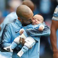 La esperada foto de David Silva junto a su bebé, que nació con 25 semanas