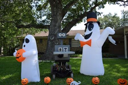 Un robot repartidor de dulces para Halloween: la idea de un ingeniero para celebrar de forma segura en su comunidad