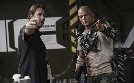 Neill Blomkamp dando instrucciones a Matt Damon