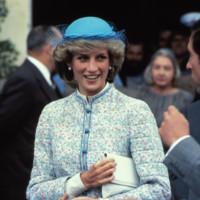 Diana de Gales sombrero look