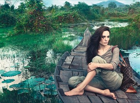 Angelinan Jolie más sosa que el pan integral para Louis Vuitton