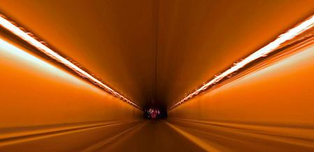 Demasiado lejos del final del túnel