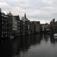 ¿Qué es lo más turístico que se puede hacer en Amsterdam? Recorrer sus canales en crucero