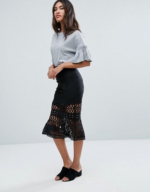 falda con volantes sirena estilismo look