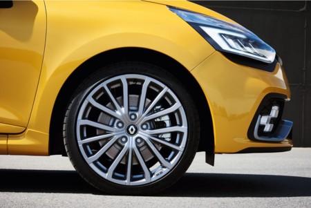 Renault Clio R S 2016 001