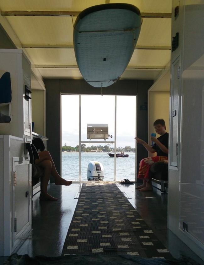 Inspire Houseboat 25
