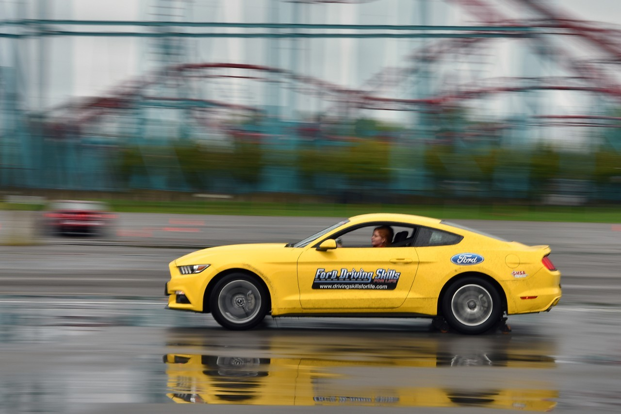 Foto de FORD DRIVING SKILLS FOR LIFE (1/4)