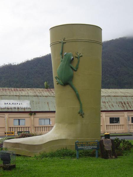 Gran bota de agua de oro, Tully