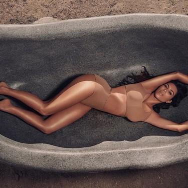 Kim Kardashian lanza una línea corporal, porque nuestro cuerpazo también merece una buena base de maquillaje