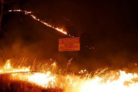 Muchos bomberos de California son presos. Ahora el coronavirus arrasa en las cárceles: la tormenta perfecta