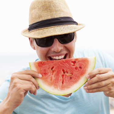 Los alimentos que no pueden faltar en tu dieta para lograr y mantener un bronceado saludable