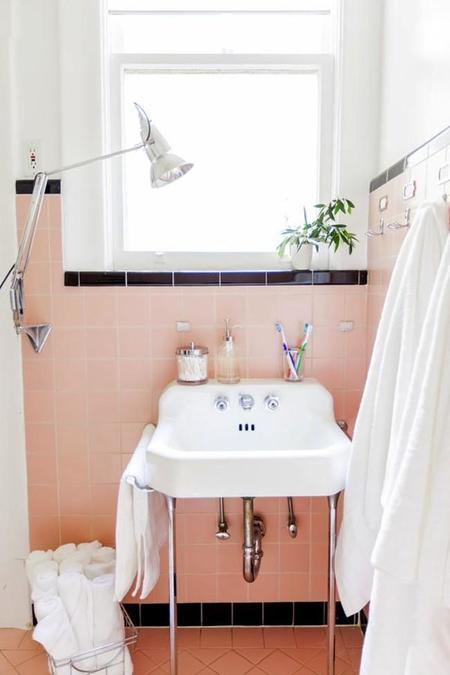 Ferney Bathroom3