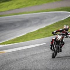 Foto 16 de 19 de la galería nicky-hayden-con-la-ducati-hypermotard en Motorpasion Moto