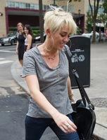 Pues va a ser que el último look de Miley Cyrus está levantando más ampollas de las necesarias
