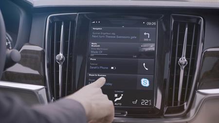Ya puedes mantener reuniones virtuales con Skype en los Volvo S90 y V90