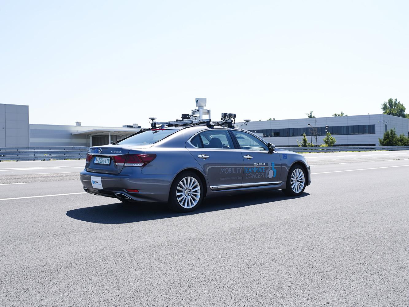 Foto de Lexus LS autónomo (Bruselas) (8/10)
