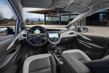 El Chevrolet Bolt apurará su autonomía con un nuevo sistema para gestionar la frenada regenerativa