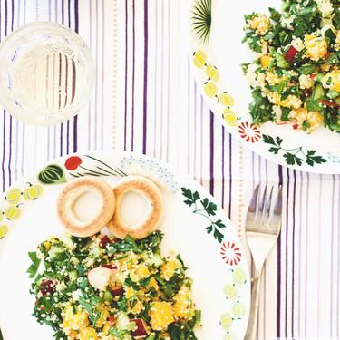 Ensalada ligera de cous cous, mango y menta, receta para combatir el calor