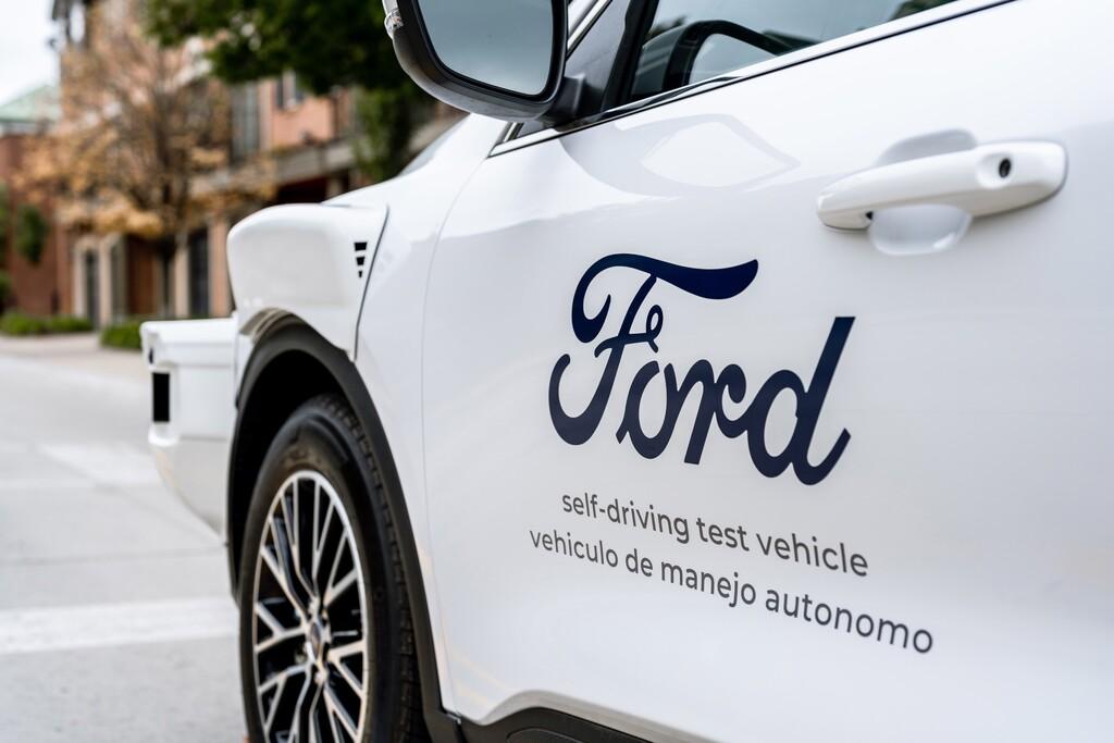 Ford ficha a Doug Field, máximo responsable del Apple Car y ex ejecutivo de Tesla: el coche de Apple de nuevo en la incertidumbre