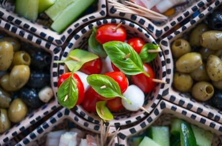 Claves para escoger tapas saludables y 21 opciones que puedes consumir sin descuidar la dieta