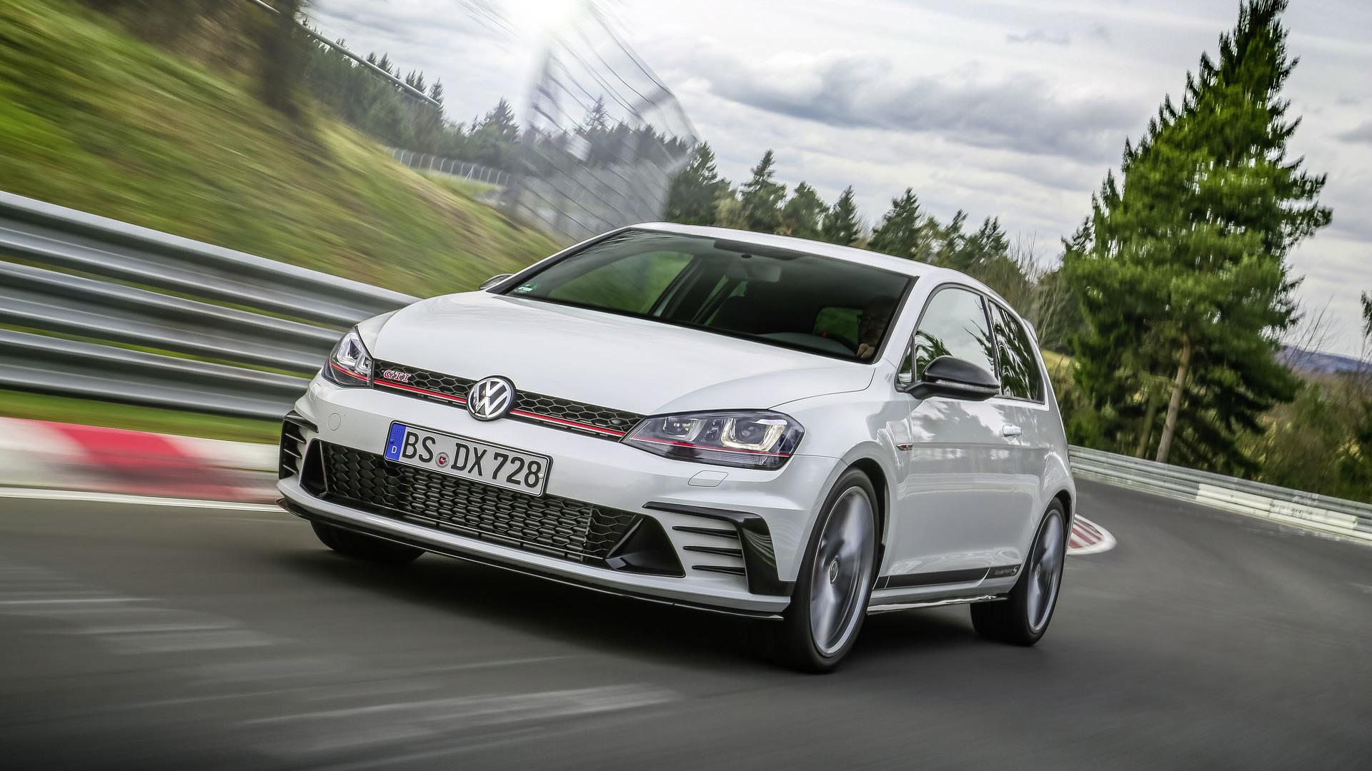 Foto de Volkswagen Golf GTI Clubsport S (22/36)