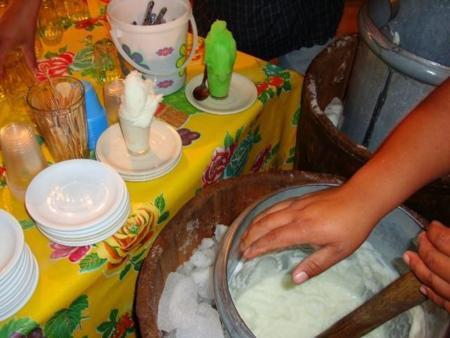 Un helado postre de sabores inimaginables: Las nieves mexicanas