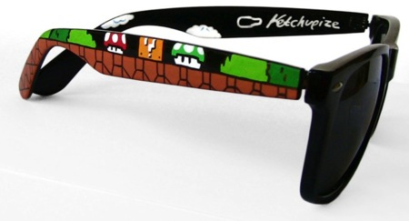 Unas gafas tipo Wayfarer decoradas en estilo Mario Bros