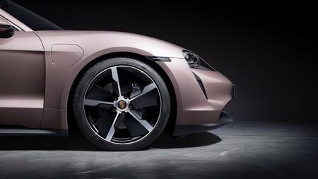 Porsche Taycan Basico 7