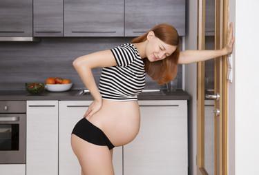 Una pareja creó una faja para aliviar el dolor de las embarazadas con síndrome de cintura pélvica