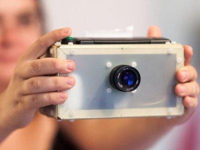 PolaPi es un fantástico homenaje a las Polaroid y está basada en una Raspberry Pi