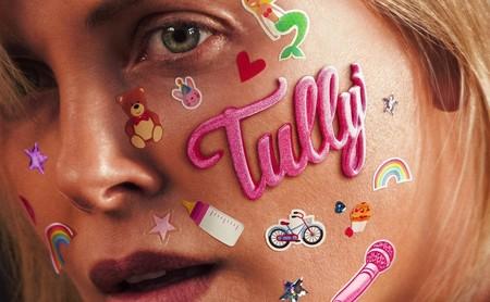'Tully': Charlize Theron eleva una interesante reflexión sobre la depresión posparto que falla al final