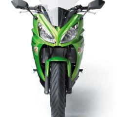 Foto 48 de 52 de la galería kawasaki-er-6f-2012-version-carenada-y-mas-agresiva en Motorpasion Moto