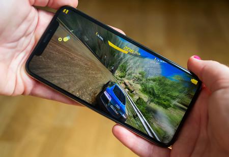 Foxconn está invirtiendo más que nunca en microLED, la tecnología que usarán las futuras pantallas de iPhone