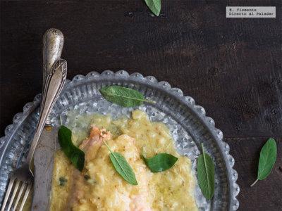 Salmón al vapor con salsa de mostaza a la antigua y sidra. Receta