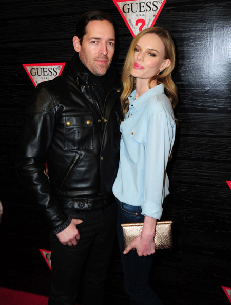 Kate Bosworth también se enamora de las camisas vaqueras para una buena fiesta
