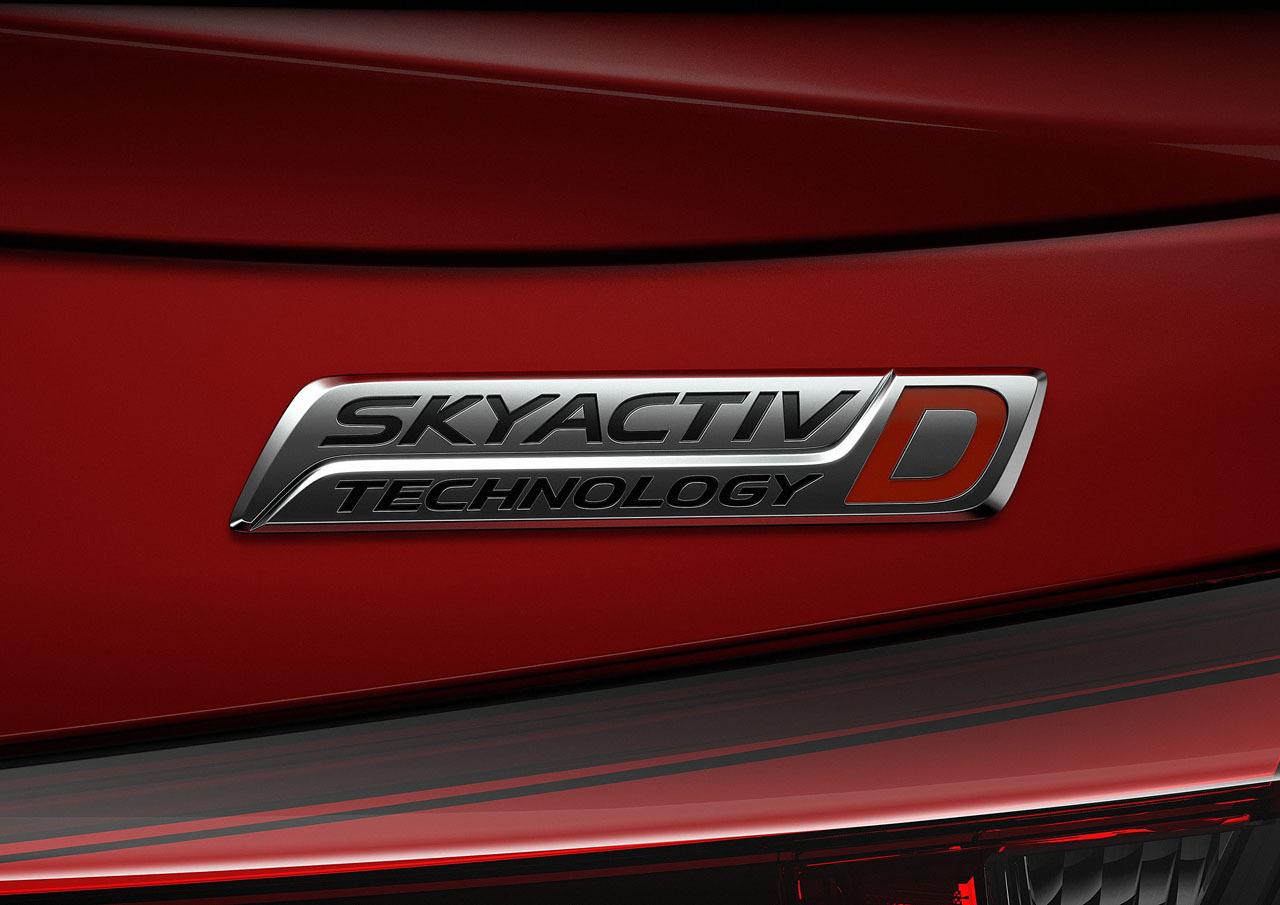 Foto de Mazda 2 Sedan (13/14)