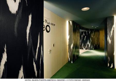 hotel puerta América - Mariscal y Salas - pasillo