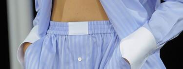 Alexander Wang ya lo predijo en su colección veraniega de 2014: se llevan los pantalones tipo calzoncillos a juego con la camisa