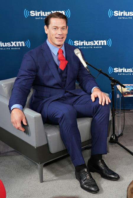 John Cena Looks Premiere Bumblebee Red Carpet Inspiation Suit 03