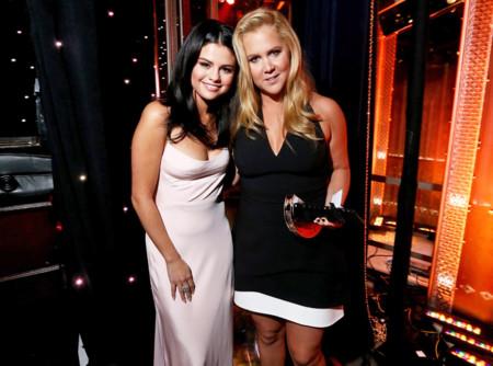 Selena Gomez y Amy Schumer