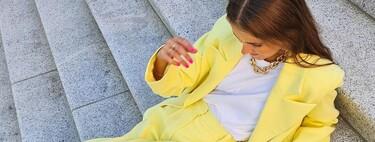 Cinco looks de traje pantalón con un twist rompedor para darle la vuelta a la semana laboral