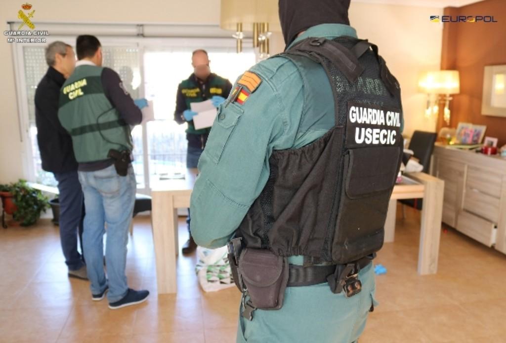 La Guardia Civil detiene a una agrupación en España que blanqueó  9 millones de euros a través de las criptodivisas