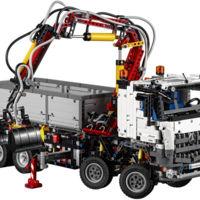 Mercedes-Benz Arocs 3245 de LEGO, una auténtica locura para el amante de los camiones